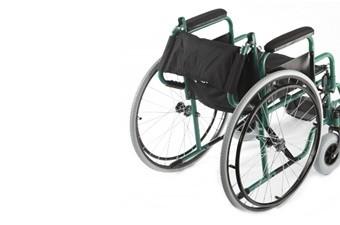 Кресло-коляска инв. серия 1600 (1618С0303SPU) пневматическая со спицами (кожзаменитель)